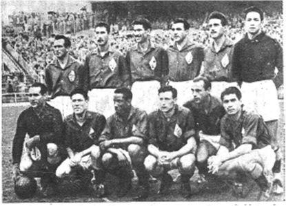 Selección Castellana que derrotó al Liverpool FC en 1952: de pie, Gabriel Alonso (Real Madrid CF), Mugica (Club Atlético de Madrid), Lesmes I (Real Valladolid Deportivo), Muñoz (Real Madrid CF), Lesmes II (Real Valladolid Deportivo), Adauto (Real Madrid CF); agachados, Eizaguirre (Real Sociedad de Fútbol), Juncosa (Club Atlético de Madrid), Ben Barek (Club Atlético de Madrid), Pérez Payá (Club Atlético de Madrid), Panizo (Club Atlético de Bilbao) y Gaínza (Club Atlético de Bilbao).