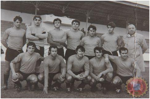 CD Béjar Ind. 1970-71. Blázquez, Navarro, Bonilla, Jesús, Sera, Guerra y Maside (ent.). Comadran, Tomás, Carmona, Isi y Paquito.