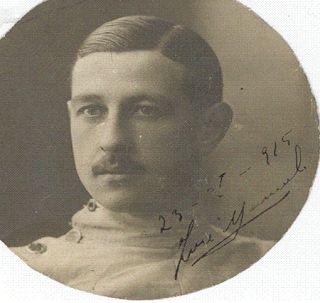 Don José Manuel Kindelán Duany (Cádiz, 8 de octubre de 1887), acreditado sportman (en la foto con traje de esgrima) y uno de los fundadores de la RFEF y del Colegio de Árbitros de la Región Centro.