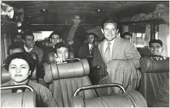 La expedición del Lleida dentro del autocar que les conduciría a Santander.