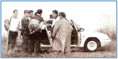 La Gaceta de Salamanca recogió el instante en que la Guardia Civil identificaba al entrenador de la Ponferradina.