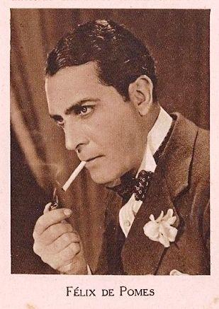 Félix de Pomés jugó al fútbol antes de popularizarse los cromos de futbolistas. Sí salió, en cambio, el los de actores, demandados especialmente por las niñas.