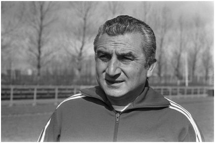 Miguel Muñoz Mozún, el 2º entrenador con más temporadas en Primera (22)