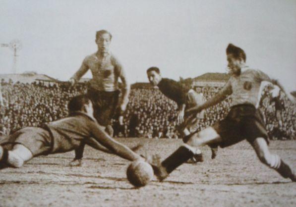 Lángara y Herrerita frente a Portugal, único choque internacional en el que coincidieron.