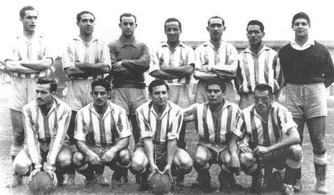 Deportivo de La Coruña 1950/51 De pie de izquierda a derecha: Ponte, Millán, Acuña, Botana, Carlos, Cuenca y Pita. Agachados en el mismo orden: Corcuera, Oswaldo, Franco, Moll y Tino.