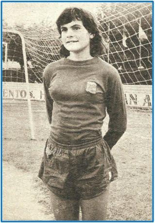 Victoria Hernández, internacional con 13 años, la temporada 1971-72