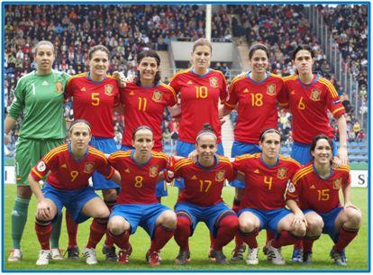 Una formación de nuestra selección femenina absoluta. No ha de faltar mucho para que se sumen con algún logro a los éxitos continentales de nuestros cuadros inferiores.