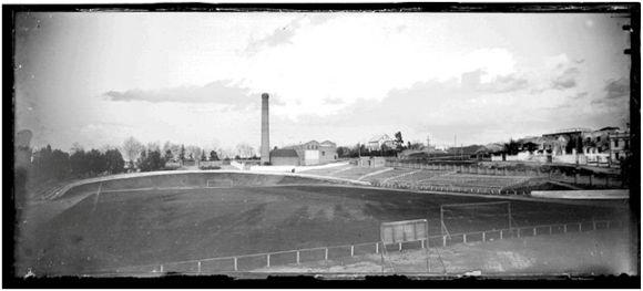 Fuente: Mcu.es Archivo Ruiz Vernacci (1923) Campo de fútbol de Ciudad Lineal.