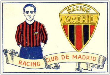 Cromo de Chocolates Amatller (1929) con equipación y escudo del Racing. El emblema del diseño fue adoptado un año antes.