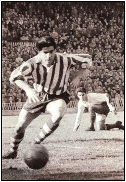 Agustín Gaínza. Máxima fidelidad a un equipo entre quienes jugaron en 1ª. Valch, un desconocido para la inmensa mayoría, superó su marca.
