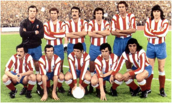 Club Atlético de Madrid, 17 de mayo de 1974: arriba: Reina, Melo, Capón, Adelardo, Eusebio, Becerra; abajo: Salcedo, Luis, Alberto, Gárate y Heredia.