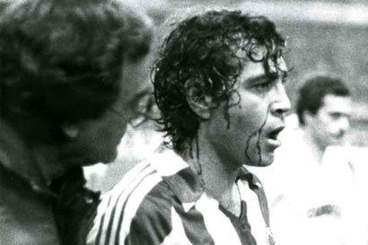 De esta guisa abandonaría el campo el argentino. Foto de Jesús Farpón.