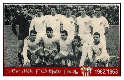 Areta III en una formación del Sevilla FC de la temporada 1962/63: Mut, Juan Manuel, Campanal II, Luque, Gallego, Valero Rivera, Diéguez, Areta III, Mateos, Canario.