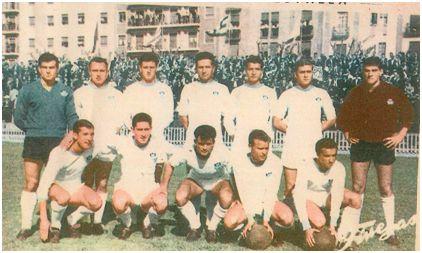 Con el Mestalla, en la temporada 60-61: Martínez; Barrera, Aldecoa, Bosch; Vidagañy, Arnal, Alós ( portero suplente ); Tejedo, Urtiaga, Miralles, Guillot y Serrano.