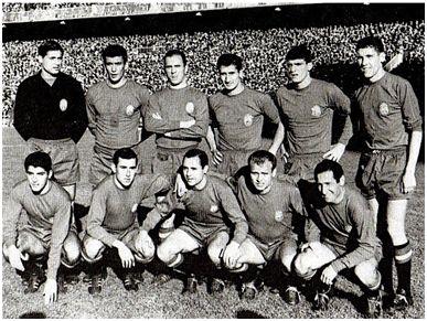 Esta vez sí fue el debut soñado. España 6-Rumanía 0, y hat-trick: Vicente; Pachín, Rodri, Calleja; Glaría, Paquito; Collar, Adelardo, Veloso, Guillot y Gento.