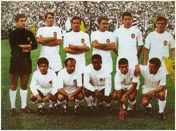 Los campeones de Copa de 1967: Abelardo; Sol, Mestre, Tatono; Paquito, Roberto; Poli, Guillot, Waldo, Claramunt y Jara.