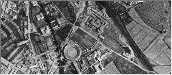 Figura 8 : Imagen aérea de Griseras en los años 50. (Fuentes: Instituto Geográfico Nacional & SITNA).