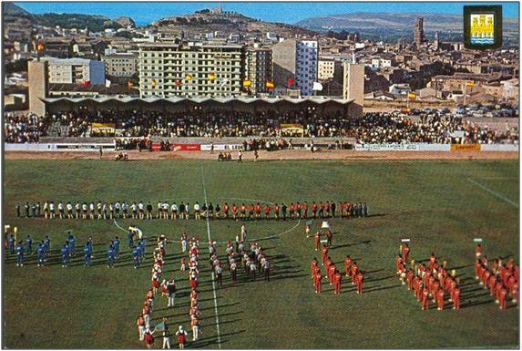 Figura 14 : Fotografía de los actos de inauguración del Estadio Elola el domingo 17 de agosto de 1969, previo al partido Tudelano - Osasuna. (Fuentes: C.D. Tudelano & Federación Navarra de Fútbol).