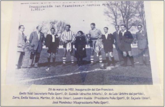 Figura 15 : Imagen de una fotografía realizada en los momentos previos a la inauguración del estadio San Francisco de Tafalla.