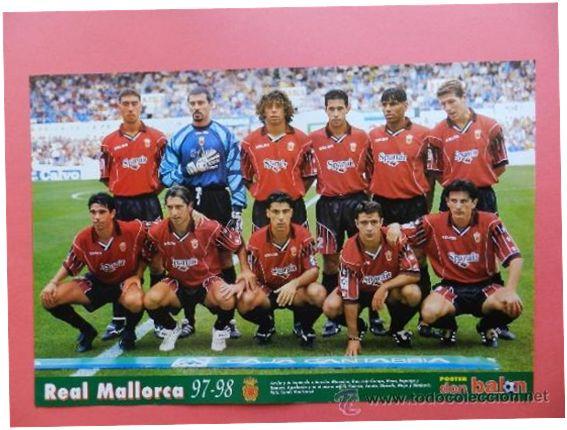 Formación 1997-98: Arriba: Marcelino, Roa, Iván Campo, Mena, Engonga, Romero. Abajo: Valerón, Amato, Olaizola, Moya, Stankovic.