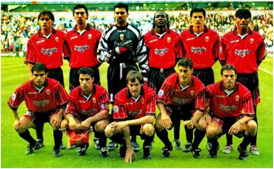 Formación Subcampeón Recopa 1998-99: De Pie: Siviero, Marcelino, Roa, Laure, Stankovic, Engonga. Agachados: Ibagaza, Olaizola, Miquel Soler, Dani García, Biagini.