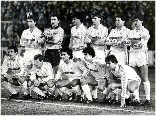 Formación Real Madrid C.F. 1987-88: De pie: Chendo, Buyo, Míchel, Tendillo, Gordillo, Camacho. Agachados: Jankovic, Butragueño, Hugo Sánchez, Sanchís, Martín Vázquez.