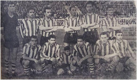 Formación 1962-63: De pie: Iribar, Orúe, Koldo Aguirre, Canito, Etura, Uriarte. Agachados: Sáez, Artetxe, Arieta I, Argoitia, Plácido.