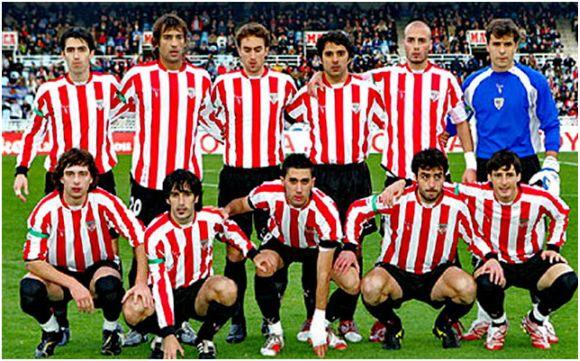 Formación 2006-07. De pie: Iraola, Urzaiz, Murillo, Javi González, Yeste, Aranzubía. Agachados: Amorebieta, Expósito, Garmendía, Sarriegi, Aduriz.