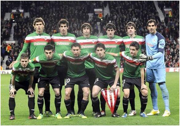Subcampeón Europa League 2012: Arriba: Llorente, Javi García, Iturraspe, San José, Aurtenetxe, Iraizoz. Agachados: Muniain, Susaeta, De Marcos, Iraola, Ander Herrera.