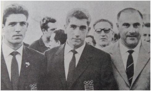 Grosso, Velázquez y el entrenador Pedro Eguiluz en los Juegos del Mediterráneo.