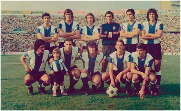 Formación 1975-76. De Pie: José Antonio, Saccardi, Rivera, Deusto, Quique, Giuliano. Agachados: Juanito, Baena, Barrios, Juan Carlos Á., Carcelén.
