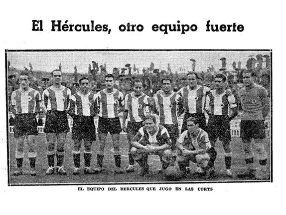 Formación 1935-36: De Pie: Mendizábal, Rosalén, Salas, Aparicio, Tatono, Maciá, Blázquez, Salvador, Pérez. Agachados: Goyeneche, Morera.