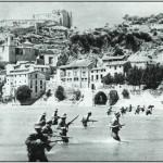 Tropas republicanas vadean el Ebro a la altura de Miravent. La contienda se eternizó en el frente aragonés y varios futbolistas cayeron durante los meses de avances, repliegues, o lucha encarnizada.