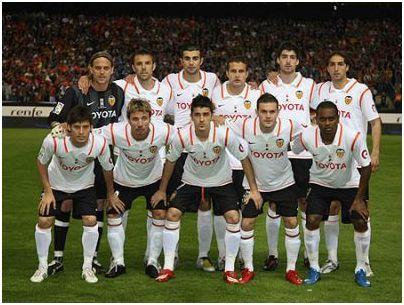 Campeón Copa del Rey 2007-08: De Pie: Hildebrand, Marchena, Albiol, Baraja, Arizmendi, Moretti. Agachados: Silva, Alexis, Villa, Mata, Miguel Brito.