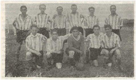 Equipo del Kaiku Chiqui que tomó parte en el Torneo de Las Llanas en el año 1936. Fila superior (de izquierda a derecha): Justel, Lasala, Endemaño ('Chiso'), Ignacio Celaya ('Inax'), Larrauri y Elorriaga ('Doro'). Fila inferior (de izquierda a derecha): José Goicoechea ('Chaves'), Mañas ('Mañitas', vecino de la misma casa de Justel y que falleció en la batalla de Villareal), Moreno, Gumucio y Pepe ('El Brocha'). Fuente: Boletín informativo del Sestao Sport Club. Temporada 1973-74 (Sestao Sport Club vs Rayo Cantabria. 24 de marzo de 1974).