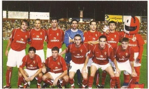 Formación 2005-06. De pie: Juanma, Pignol, Cuadrado, Juanmi, Acciari, Corona. Agachados: Kreuz, Richi, Iván Alonso, Julio Álvarez, Samuel.