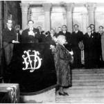 Jura de José Antonio Aguirre en Gernika (7 de octubre de 1936). Fuente: Fundación Sabino Arana-Archivo del Nacionalismo Vasco.