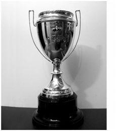 Réplica de la Copa de España de Fútbol obtenida por el Athletic Club en el año 1923. (Fuente: Archivo Athletic Club Museoa).