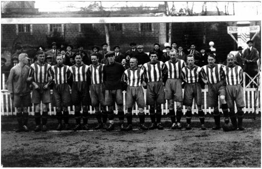 San Mamés. 28 de diciembre de 1924. Athletic Club, 1 - Kamraterna de Goteborg, 2. Alineación del equipo sueco. Foto Rosaenz. (Fuente: Archivo Athletic Club Museoa).