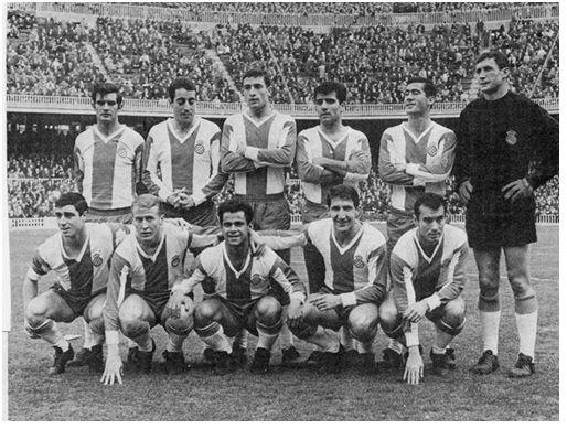 Formación 1966-67. De pie: Miralles, Juan Manuel, Ramoní, Riera, Osorio, Carmelo. Agachados: Amas, Marcial, Re, Rodilla, José María.