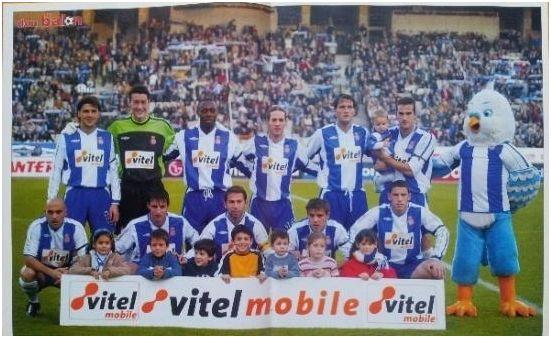 Formación 2002-03: De pie. Roger, Sergio Sánchez, Domoraud, Navas, Soldevilla, Marc Bertrán. Agachados: De la Peña, Morales, Tamudo, Milosevic, Maxi.