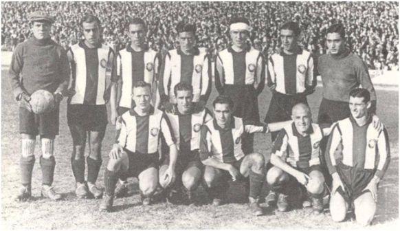 Formación 1932-33: De pie: Florenza, Arater, Trabal, Layola, Cristià, Benito Pérez. Agachados: Prat, Edelmiro, Garreta, Redó, Bosch.