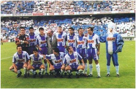 Formación 1996-97: De pie: Toni, Nando, Pacheta, Arteaga, Pochettino, Cobos, Torres Mestre. Agachados: Cristóbal, Lardín, Pralija, Ouédec.