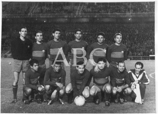 Formación 1962-63: De pie: Vilar, Chancho, Iborra, Alcantarilla, Ruiz Pastor, Rodri, Agachados: Cardona, Lezcano, Eulogio Martínez, Romero, Pahuet.