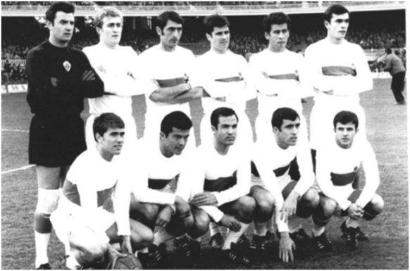 Formación 1968-69: De pie: Araquistain, Ballester, Iborra, Ramírez, González, Llompart. Agachados: Serena, Lezcano, Vavá, Asensi, Emilio.