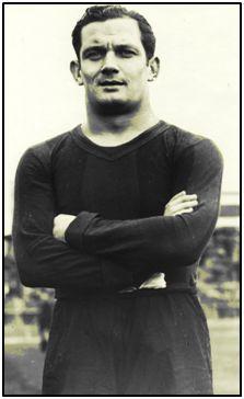 Martín Vantolrá, expedicionario del Barça en la gira americana, se quedó en México, ennoviado con la sobrina del presidente Lázaro Cárdenas y rubricando un contrato funcionarial de instructor deportivo.
