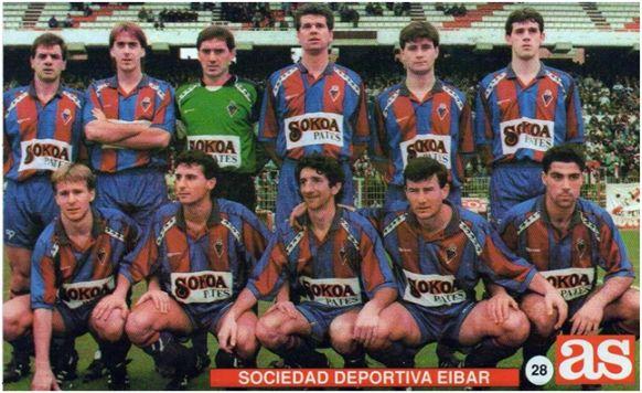 Formación 1991-92: De pie: Bautista, Igoa, Garmendia, Rodríguez, Navarro, Oyarbide. Agachados: Aguinaga, Arriola, Artetxe, Luluaga, Olaizola.