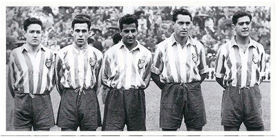 Delantera de seda: Juncosa, Vidal, Silva, Campos y Escudero.