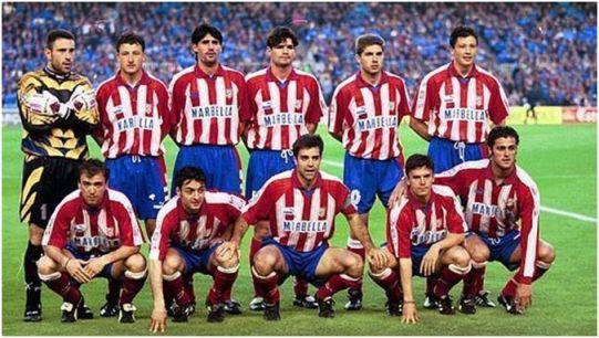 Formación 1995-96: De pie: Molina, Vizcaíno, Caminero, Roberto, Geli, Penev. Agachados: Pantic, Santi Denia, Solozábal, Toni Muñoz, Kiko.