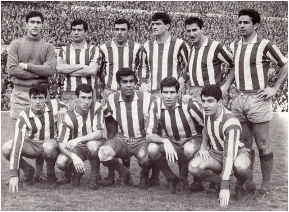 Formación 1965-66. De pie: Rodri, Martínez Jayo, Víctor Díez, Glaría, Calleja, Rivilla. Agachados: Ufarte, Adelardo, Mendonça, Luis, Collar.